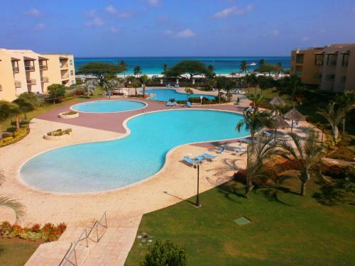 Fotos del hotel: Supreme View Two-bedroom condo - A344, Palm-Eagle Beach