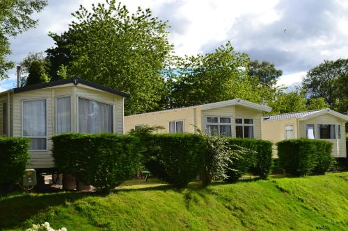 Hotel Pictures: Deeside Holiday Park, Maryculter
