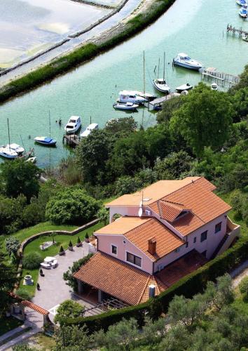 Villa Saline Apartments