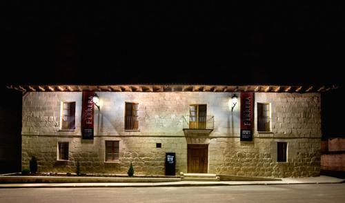 Hotel Pictures: , Herrera de Valdecañas