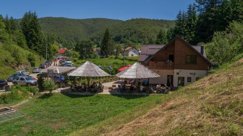 Hotellikuvia: Motel Luka, Deževice