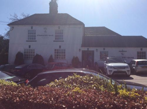 Hotel Pictures: Strawberry Bank Hotel, Meriden