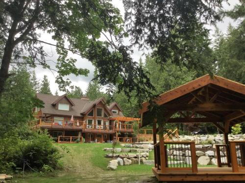 Hotel Pictures: The Fisherman's Wife B&B, Roberts Creek