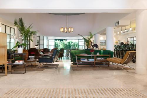 Eclectic aparthotel tel aviv yafo book your hotel with for Eclectic hotels