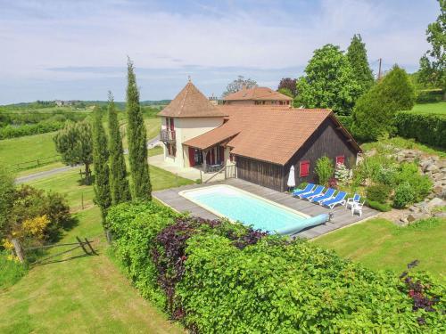 Hotel Pictures: La Petite Tour, Saint-Médard-d'Excideuil