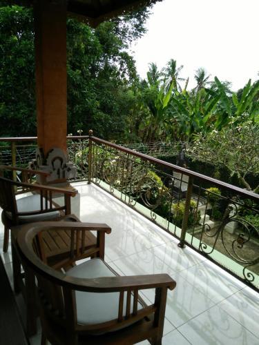 Puri Bunga Guest House