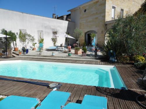Hotel Pictures: , Saint-Médard-de-Guizières
