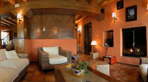 Hotel Pictures: , Cabrejas del Pinar