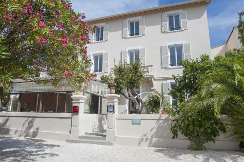 Hotel Pictures: Hotel La Bienvenue, La Croix-Valmer