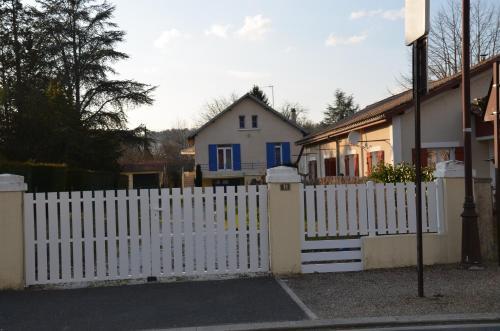 Hotel Pictures: , Sarliac-sur-l'Isle