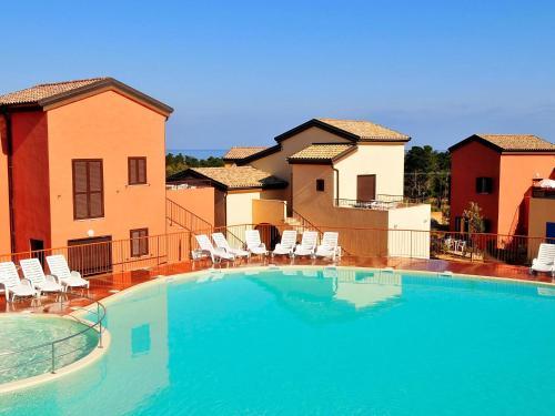 Hotel Pictures: Les terrasses de Lozari 3, Pietra Moneta