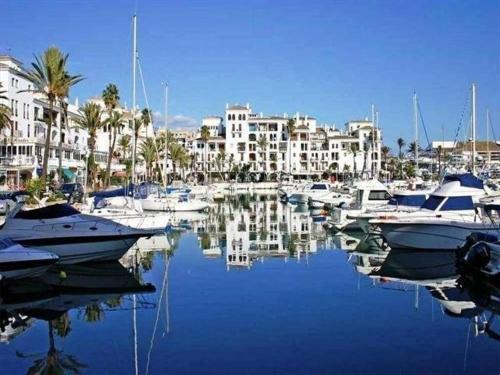 Hotel Pictures: La Noria Penthouse, San Luis de Sabinillas
