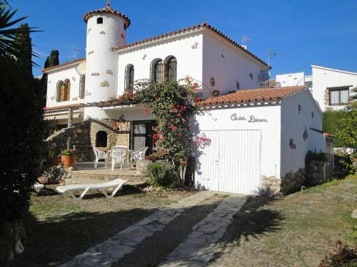Hotel Pictures: Casa Dani 1, Montroig