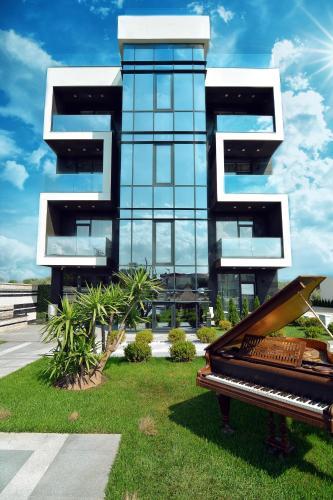 Zev Apartments