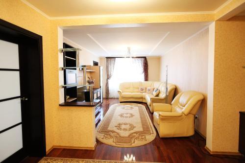 Hotel Pictures: Yanka Kupala Apartment, Grodno
