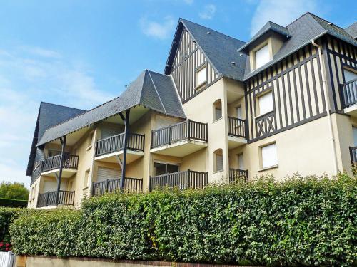 Hotel Pictures: Castel Morny, Bénerville-sur-Mer