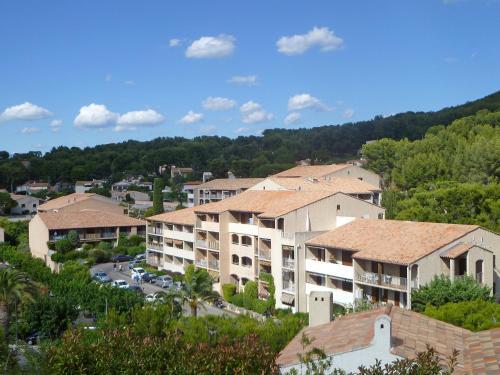 Hotel Pictures: Les Aigues Marines 9, La Madrague