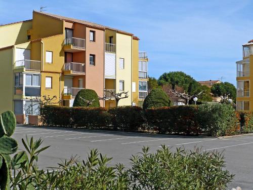 Hotel Pictures: Les Sénillades, Saint Pierre La Mer