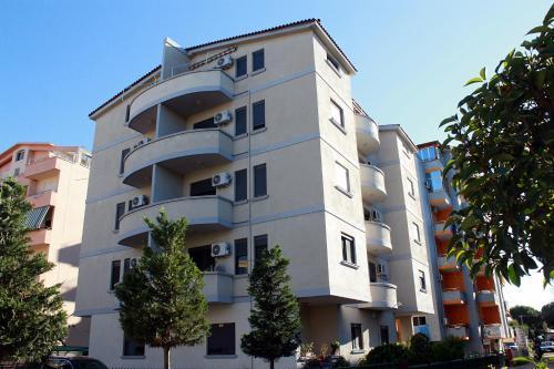 Фотографии отеля: Arbana Apartments, Голем