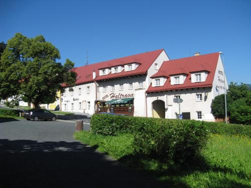 Hotel Pictures: Hotel Haltrava, Klenčí pod Čerchovem