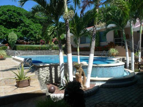 Hotel Pictures: Grace's Guest House, Higuito