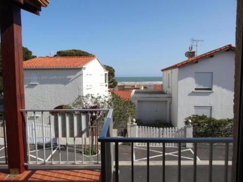 Hotel Pictures: Rental Apartment Eolia - Saint Pierre La Mer, Saint Pierre La Mer