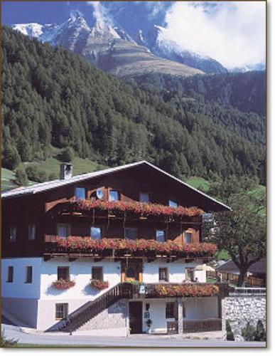 Hotel Pictures: Pension Alpenhof, Virgen