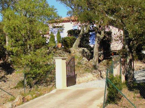 Hotel Pictures: Holiday Home Villa Panoramic, St Jean de l'Esterel