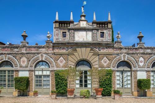 Tuscan Palace