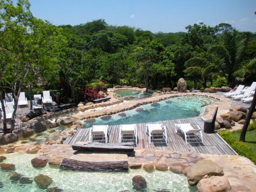 Hotel Pictures: Biocentro Guembe Hotel y Resort, Curibo