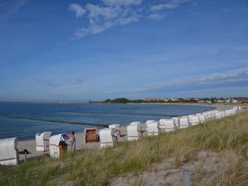 Hotel Pictures: Am Kurpark 1 nur 7 Minuten bis zum Strand, Glowe