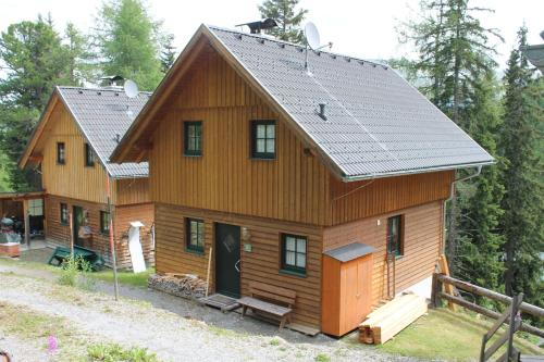 Hotellikuvia: Turracher Berghütte, Turracher Hohe