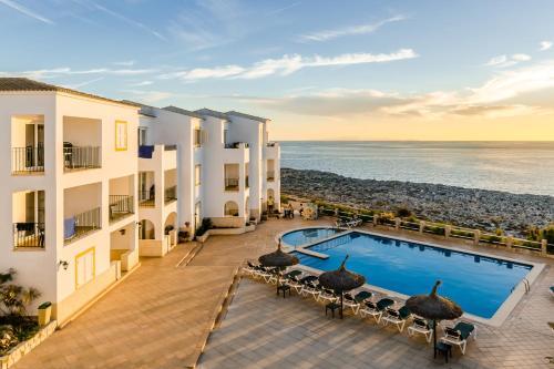 Hotel Pictures: Apartamentos Blancala, Cala Blanca