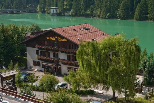 Hoteles comelico superiore reserva de hotel comelico for Meuble barancio