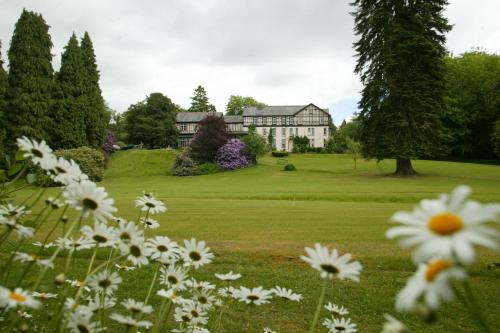 Hotel Pictures: The Lake Country House Hotel & Spa, Llangammarch Wells