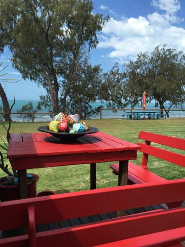 Hotel Pictures: Campwin Beach House, Sarina