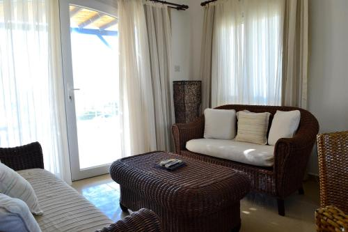 Hotel Pictures: Aphrodite Beachfront Village, Ghaziveran