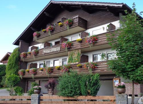 Hotel Pictures: Gasthof - Pension Schamberger, Neukirchen beim Heiligen Blut