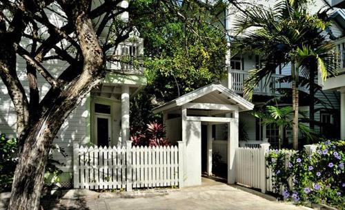 Simonton House 1011