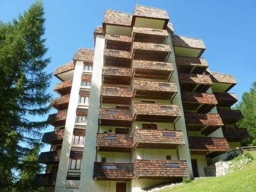 Hotel Pictures: Rental Apartment L'eperviere, Les Orres