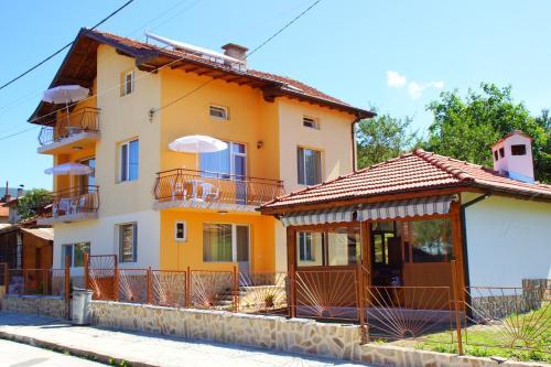 Foto Hotel: , Dorkovo