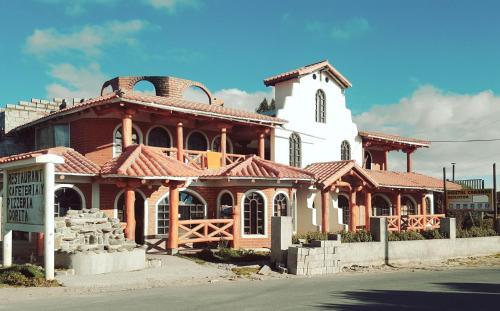 Hotel Pictures: , Quilotoa