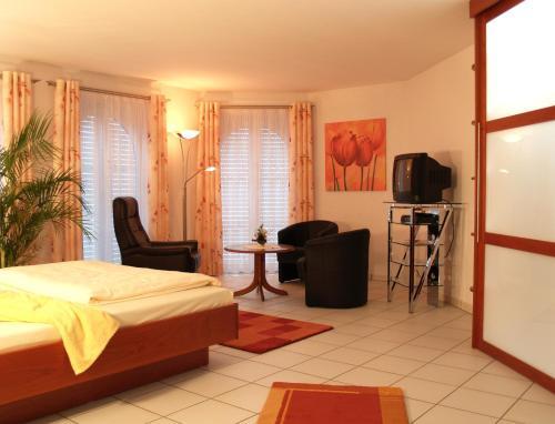 Hotel Pictures: Hostellerie Bacher, Neunkirchen