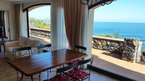 Hotel Pictures: Apartamentos Playa de Los Roques, Los Realejos
