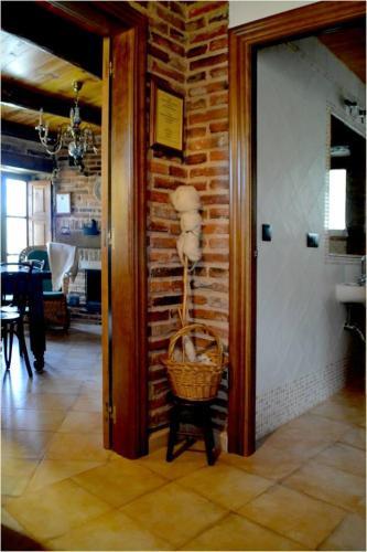 Hotel Pictures: , Santa Marina de Somoza