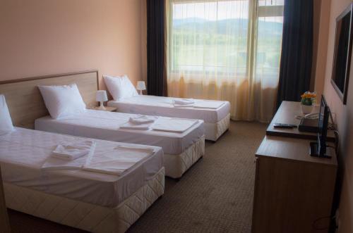Hotel Pictures: Maribel Spa Hotel, Köprilova