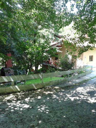 Zdjęcia hotelu: Holiday Home Oaza Mira, Hadžići