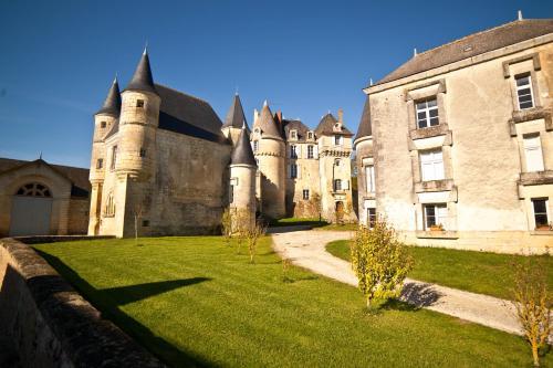 Hotel Pictures: Chateau Celle Guenand, La Celle-Guénand
