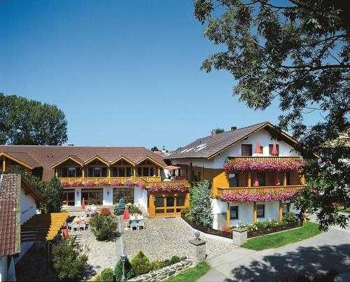 Hotel Pictures: Ferienhotel Münch, Neukirchen beim Heiligen Blut