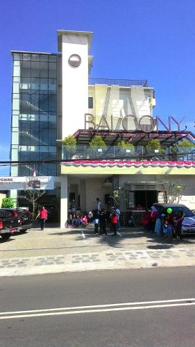 Sukabumi hotels hotel booking in sukabumi viamichelin for Balcony hotel sukabumi